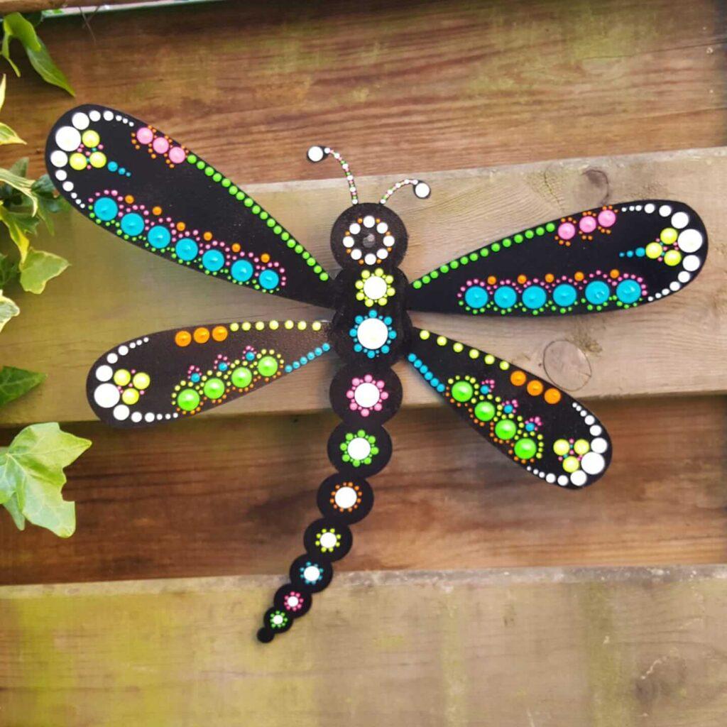 De Geus Events workshop vlinder / libelle dotpainten